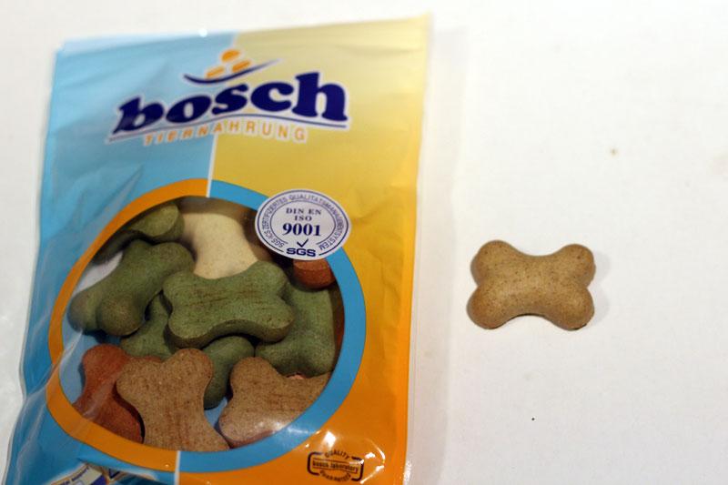 boschの骨型ビスケット