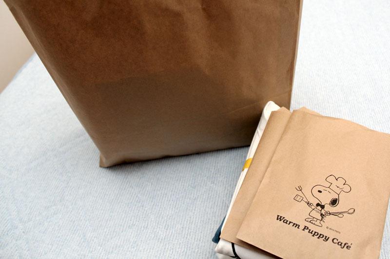 何のアピールもない紙袋