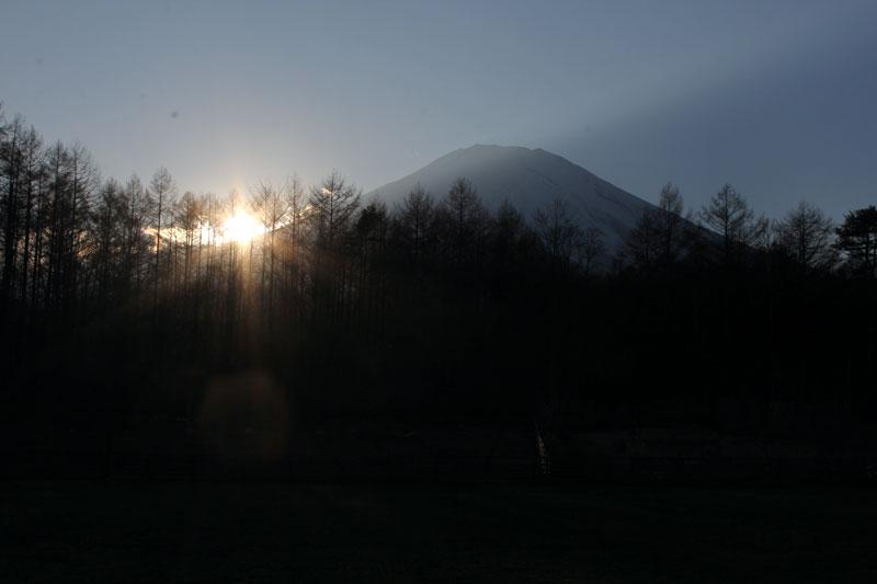富士山に沈む太陽